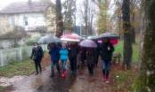 Građani Bihaća se okupili kod Đačkog doma, traže da se zaustavi dolazak migranata