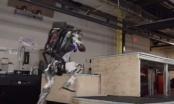 Robot Atlas kompanije Boston Dynamics sada može uraditi i parkour /VIDEO/
