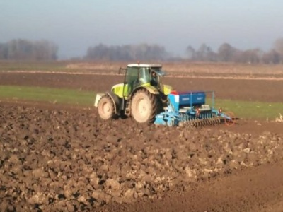 Poljoprivrednici u Semberiji na mukama: Suha jesen poskupljuje sjetvu