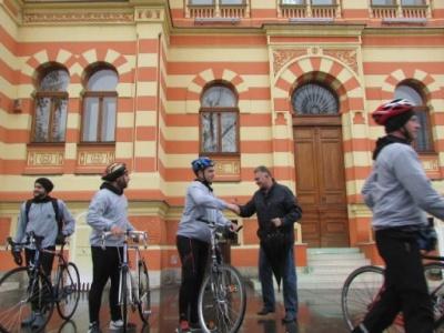 """Članovi Sportskog društva """"Distrikt"""" i ove godine biciklima otišli u Vukovar kako bi odali počast nevinim žrtvama"""