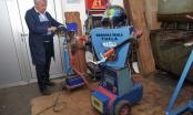 Inovativni nastavnik iz Tuzle Dragan Hura s učenicima napravio jedinstven automobil i robot