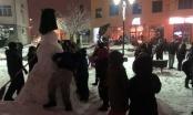 Brčanski Caffe Corso 2 iskoristio zimsku čaroliju i sa mališanima pravio snješka /FOTO/