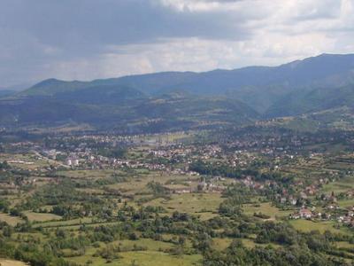Dok Drvar proglašavaju srpskim, ne vide da je tu sve manje i Srba i života i posla