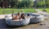 Građani Brčkog nemaju puno izbora pa se kupaju u fontani u Gradskom parku