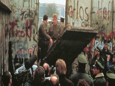 Historijski pad Berlinskog zida viđen očima Jugoslovena