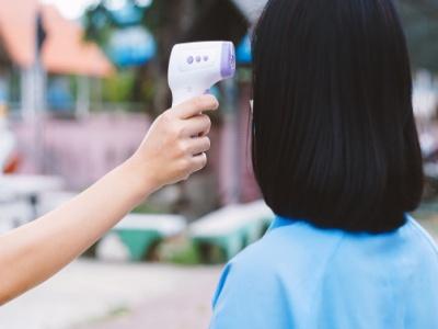 Brčko: Učenici u septembru u klupama, na ulazu mjerit će im se temperatura, nastavnici s maskama