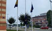 Čitatelj portala: Ispred institucije distrikta jedna zastava na pola koplja