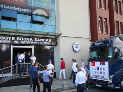 """""""Sandžak nije sam"""": Udruženje Bosna-Sandžak iz Istanbula poslalo šleper s medicinskom opremom"""