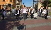 Kandidati sa liste Koalicije Zajedno ZA Brčko danas su na Trgu mladih podijelili promo materijal