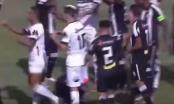 Nogometaš dobio crveni karton zbog prekršaja u osmoj sekundi (VIDEO)